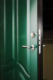 Saugios lauko durys