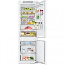 Baltas šaldytuvas su produktais